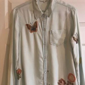 Tops - Denim top with butterfly appliqués Small